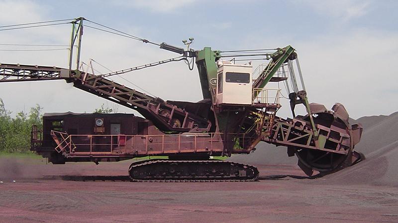 dual conveyor drives on bucket wheel reclaimer